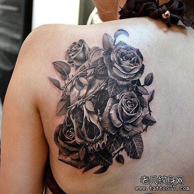 背部玫瑰花纹身图案_玫瑰纹身_背部纹身_后背纹身_858