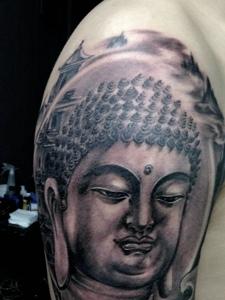 大臂如来佛纹身图案帅气又魅力图片