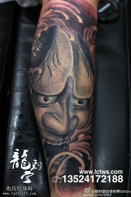 恐怖诡异假面鬼纹身图案