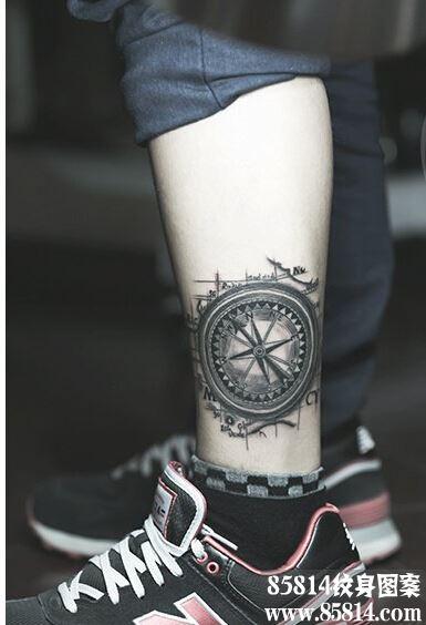 个性腿部时尚黑白罗盘指南针纹身图片