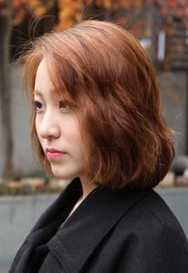 好看的韩式中分短发烫发发型图片[5P]