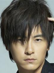 帅气男生长直发发型图片[4P]