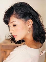 女人味短发刘海编发步骤图解[5P]