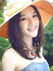 最IN女生中长直发发型图片[5P]