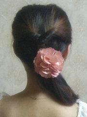 淑女范中长发发型扎法步骤图解[11P]