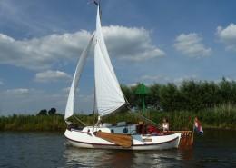 海面航行的帆船圖片_15張