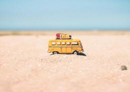 黄色大巴车模型图片_12张