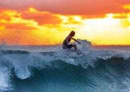 刺激的海上冲浪图片_10张