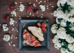 诱人的草莓水果蛋糕图片_11张