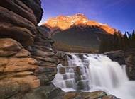 迷人的山水瀑布图片