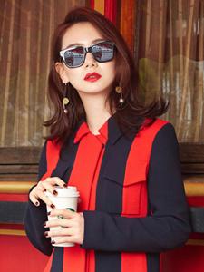 戚薇潮爆墨镜红唇时尚写真