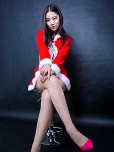 圣诞平安彩票app小柒长腿细腰性感诱惑写真
