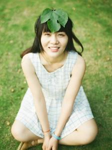 格子连衣裙平安彩票app清新自然淳朴可人