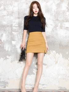 包臀裙高跟美腿模特性感妩媚动人