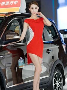 纖細長腿的美女車模高挑甜美白皙誘人