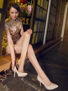 高挑旗袍腿模丝袜美腿妖媚秀色可餐