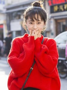 冬日街头上的靓丽丸子头少女可爱甜美写真
