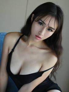 火辣女神月音瞳大奶翘臀性感多姿写真