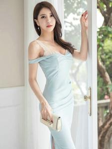 露肩拉链裙模特成熟稳重美乳撩人