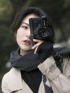 户外气质英伦风摄影美女随性自由写真