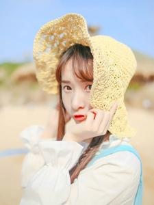 草帽女孩沙灘清純可愛純美惹人憐愛