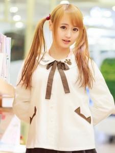 图书馆里的双马尾萝莉金发女孩靓丽写真