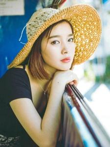 時尚輕熟女旅拍夏日清爽好心情寫真