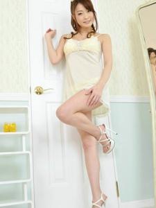 閨房睡裙細高跟妹妹西島亜希美腿迷人誘惑