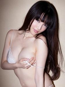 日系美艳少妇森下悠里销魂内衣人体艺术写真