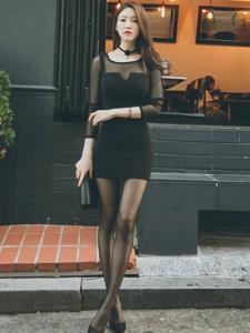 韩国平安彩票app模特朴正允高跟黑丝街拍写真