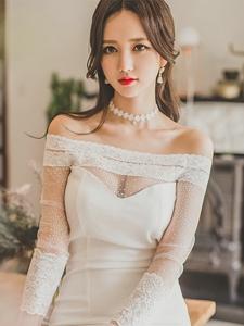 韓國紅唇美少婦長裙露性感香肩甜美紅唇寫真