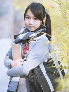 清新學生制服雙馬尾少女早晨雨露陽光寫真
