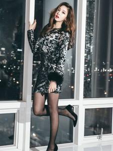 韩国平安彩票app黑丝短裙写真气质迷人写真