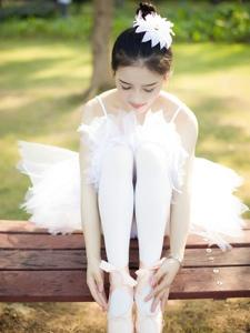 性感絲襪美女舞蹈陽光唯美寫真