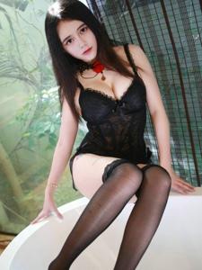 美女模特李雪婷情趣内衣写真黑丝撩人写真