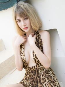 性感豹紋美女Cheryl青樹旅豐滿養眼迷人寫真