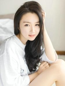 清纯美女青春靓丽气质甜美私房照写真