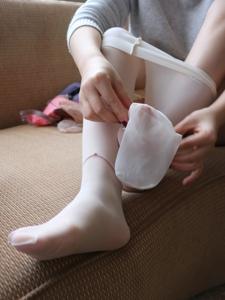 小图妹白色水晶丝袜阳光秀气迷人写真