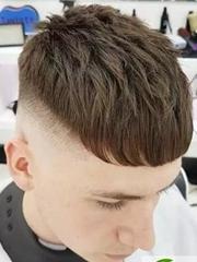 男士渐变发型 两边铲男士短发