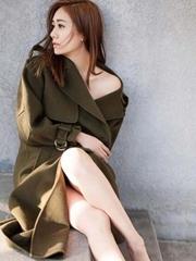刘芸冬日暖阳写真演绎清纯性感 修长大长腿吸睛