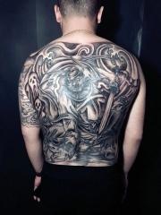 男生經典老傳統滿背大鐘馗紋身圖案