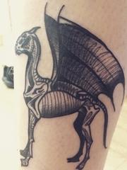 腿上来自电影哈利波特夜骑神兽纹身图片