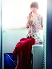 賈青寫真首登《男人裝》 以春天的名義性感