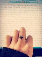 手指心電圖簡約紋身圖案