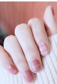 2017新款简单好看的粉色显白短指甲