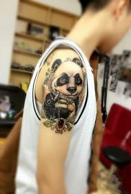 手臂叛逆的圆滚滚卡通熊猫彩绘纹身图案