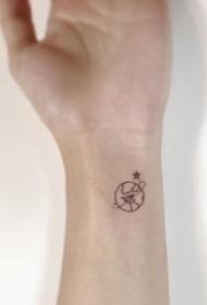 女生喜爱的黑色几何元素简单个性线条纹身图案