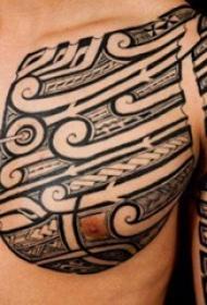 男生手臂上黑色素描创意几何元素半甲纹身图片