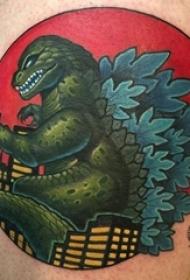 小恐龙纹身 男生大腿上彩色的恐龙纹身图片