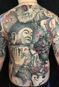 纹身三面佛 男生后背上花朵和佛像纹身图片
